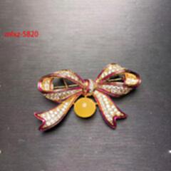 精品主推---蜜蜡胸针 (蝴蝶结)mlxz-5820