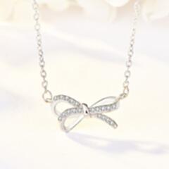 韩版小众设计纯银s925项链 抖音同款 轻奢时尚微镶立体蝴蝶结 白金色